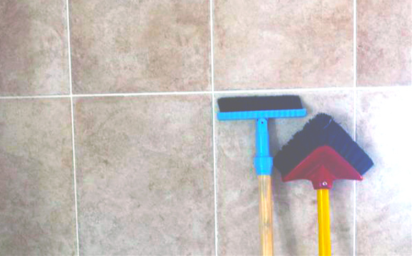 wall tile and grout cleaning